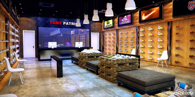 Interior 3d Rendering Shoe Store Design Modern Houston By Spacialists