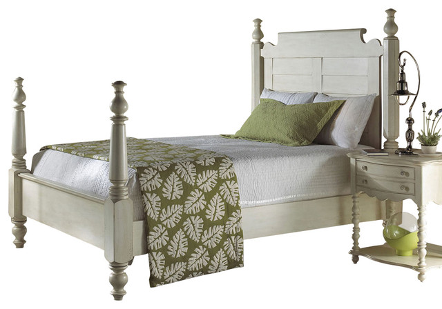 Summer Home Queen Post Bed traditional-beds