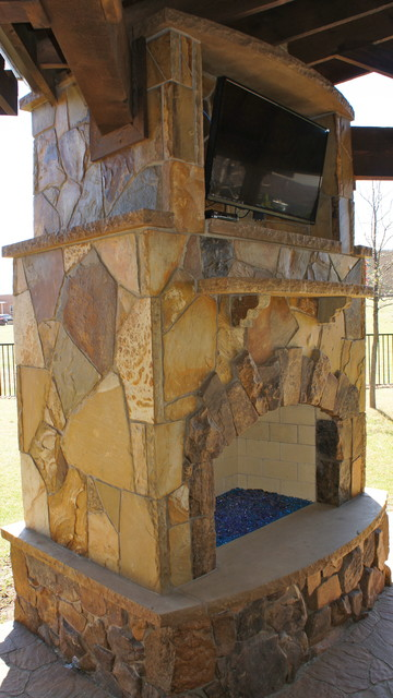 Moss Boulder And Oklahoma Flagstone Fireplace Rustic