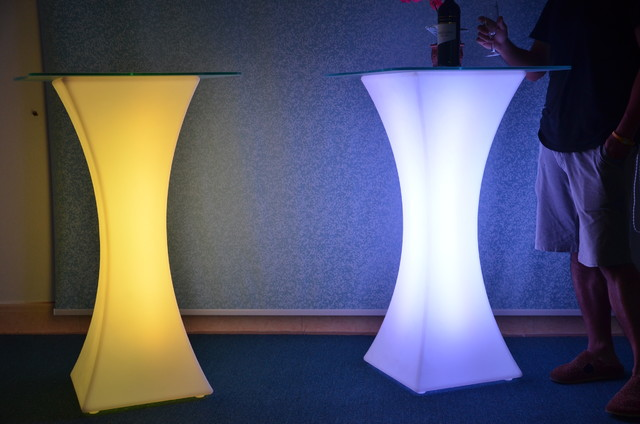 Led cocktail table modern hong kong by nice xu for Cocktail tables led