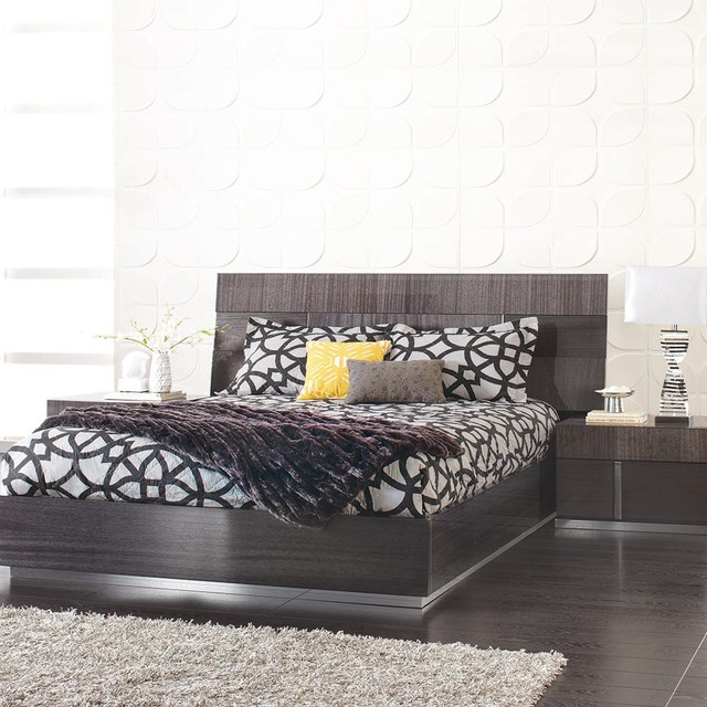Mondiana Queen Bed Modern Beds Other Metro By