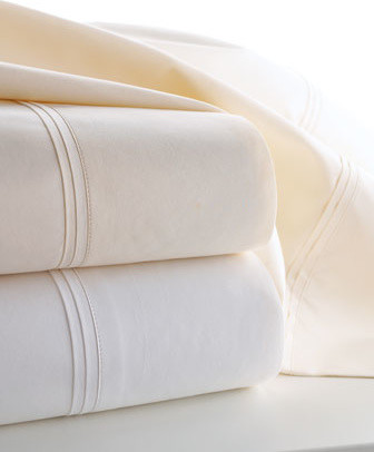 Matouk Marcus Collection Solid Percale Standard Pillowcases, Pair traditional-sheets
