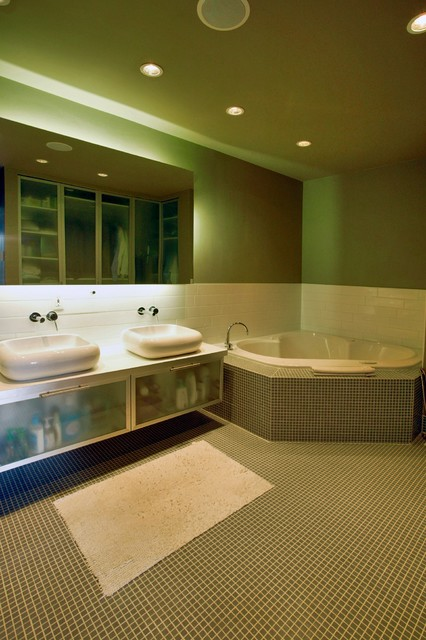Rectangle contemporary bathroom
