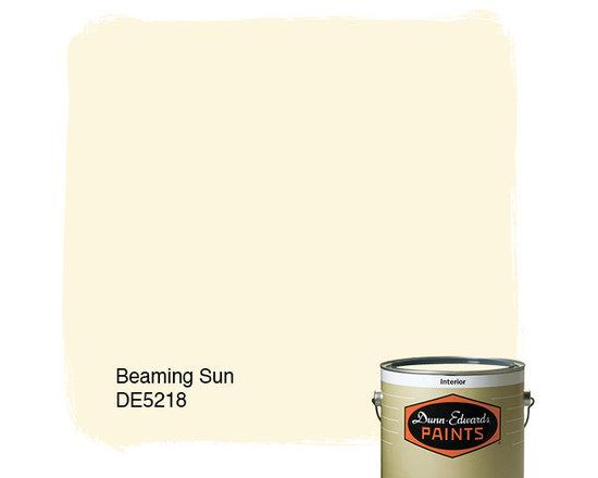 Dunn-Edwards Paints Beaming Sun DE5218 -