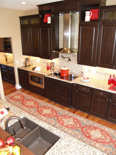 2011 Parade Of Homes - Bayberry traditional-kitchen
