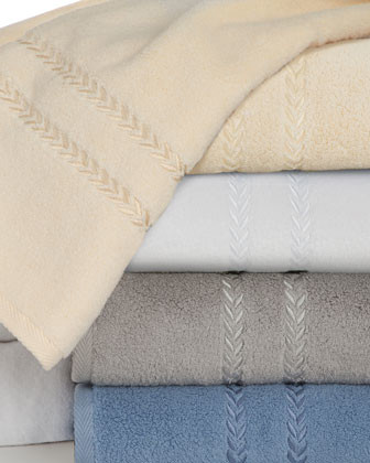 Pearl Essence Wash Cloth traditional-towels