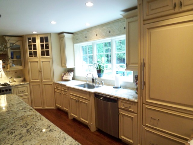 Kitchen King Inc traditional