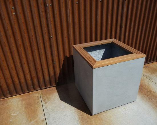 large concrete cube planters -