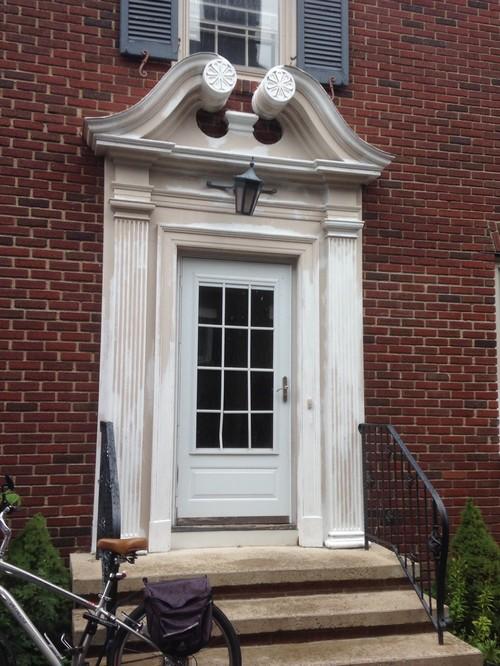 Accent Paint For Front Door Pediment