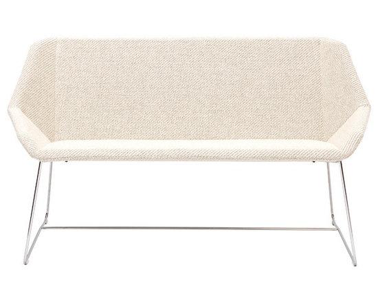 Vivero Rosebud sofa -