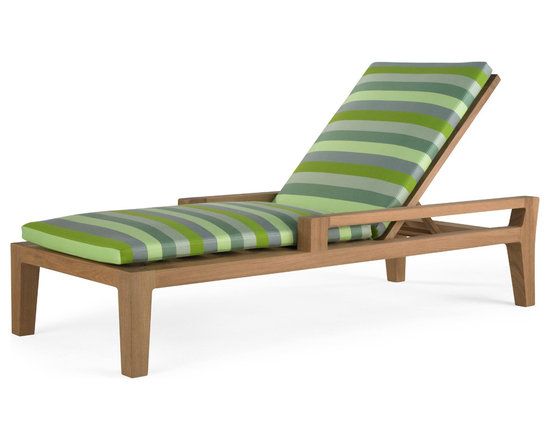 Banyan Chaise - Influenced by the power and romance of the Banyan tree's epiphyte nature to spread its roots and bear fruit, Link Outdoor introduces its Banyan Collection, design by Holly Hunt. Seen as a departure from the strong contemporary and youthful lines of recent introductions, Banyan is a deep-seated luxurious collection of plush classical outdoor furniture made for lounging and pure comfort - a collection that will transform outdoor spaces into contentment zones for living well.  ©Link Outdoor