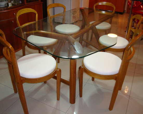 RESIDENCE 1 - AFRICAN TEAKWOOD Y SHAPE BASE WITH 12MM TOUGHEND GLASS TOP & 6 CHAIRS WITH WHITE ITALIAN LEATHER SEATS.