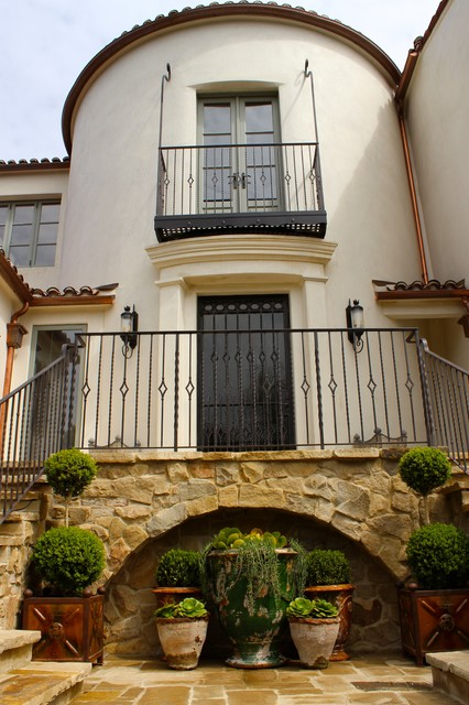 A santa monica traditional spanish home for Spanish house names suggestions