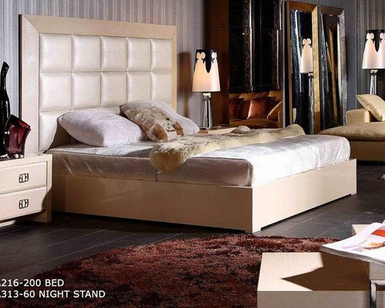 Luxury Platform Bed in Champaign Crocodile Leather - Features