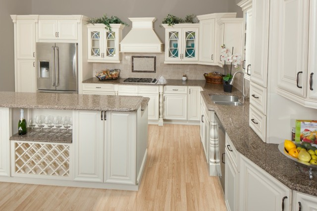 Painted linen kitchen cabinets unique thadudercom for Kitchen colors with white cabinets with serviettes en papiers