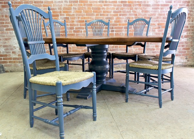 Round And Oval Dining Tables Farmhouse Dining Chairs