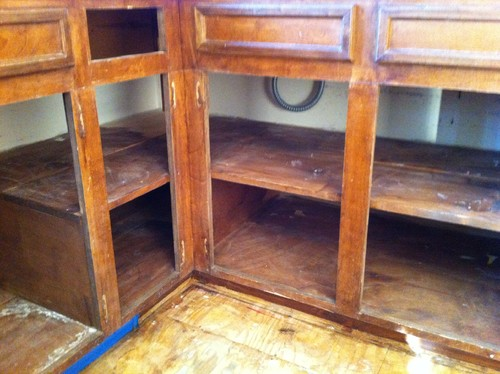 So Bad... Poorly designed kitchen cabinets