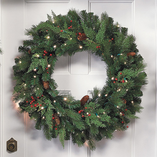 24 White Pine Cordless Christmas Wreath Traditional: traditional outdoor christmas decorations
