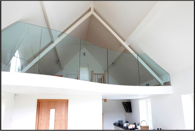 splasbacks and balustrade modern floors
