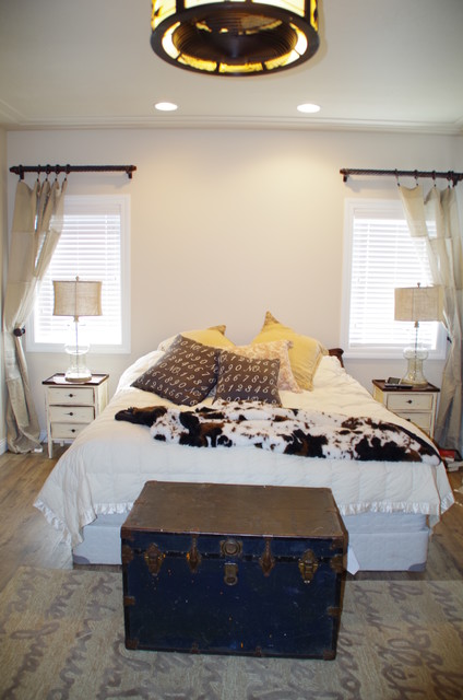 Bed, Bath, Laundry traditional-bedroom