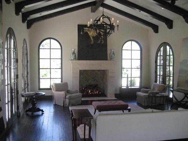 y mediterranean-living-room