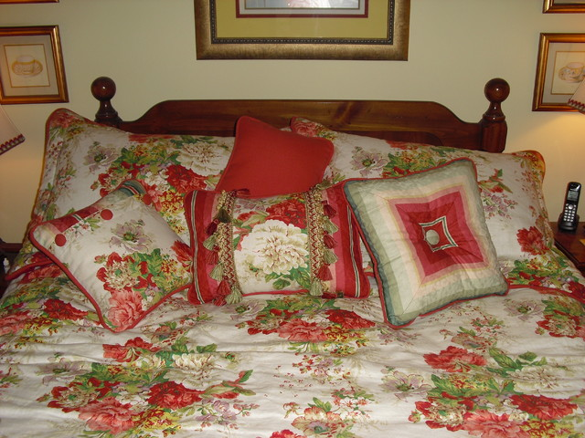 Walton projects traditional-bedding