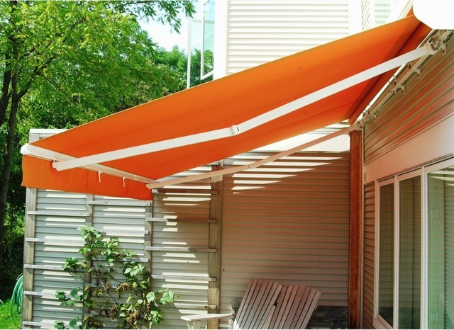 The Perfect Shade Creator 16 x 11-ft. Manual Retractable ...