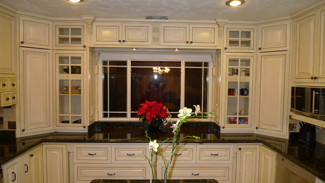 Classic Kitchen  Kitchen Cabinetry  orange county  by Belle Choices