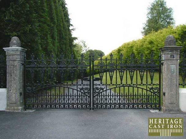 Cast Iron Driveway Gates6.jpg traditional-home-fencing-and-gates