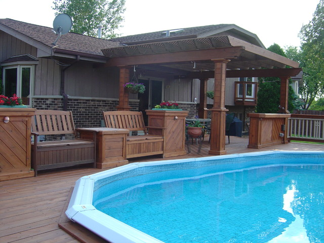 Cedar Deck Around The Pool Traditional Chicago By