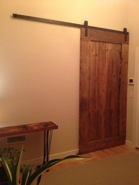 Reclaimed barn door design ideas from projects in nyc new for Reclaimed wood new york