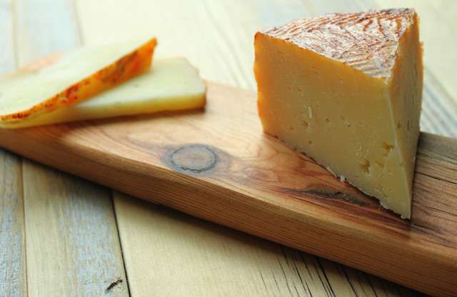 Reclaimed Wood Serving and Cheese Board modern-cutting-boards