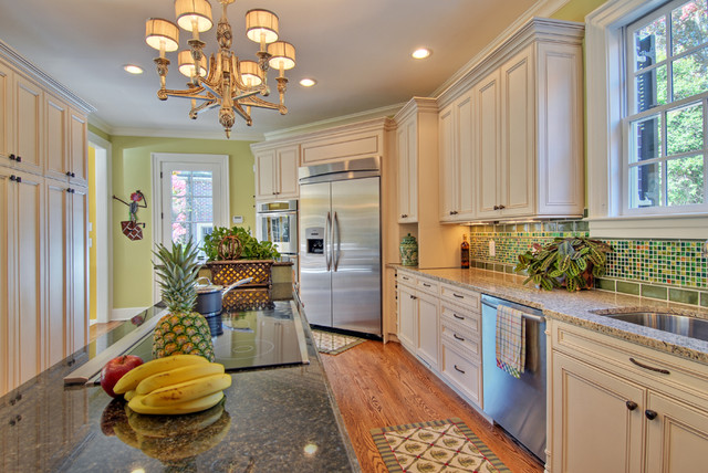 Color Bright traditional kitchen