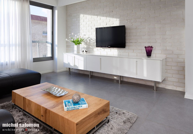rishon lezion contemporary-living-room