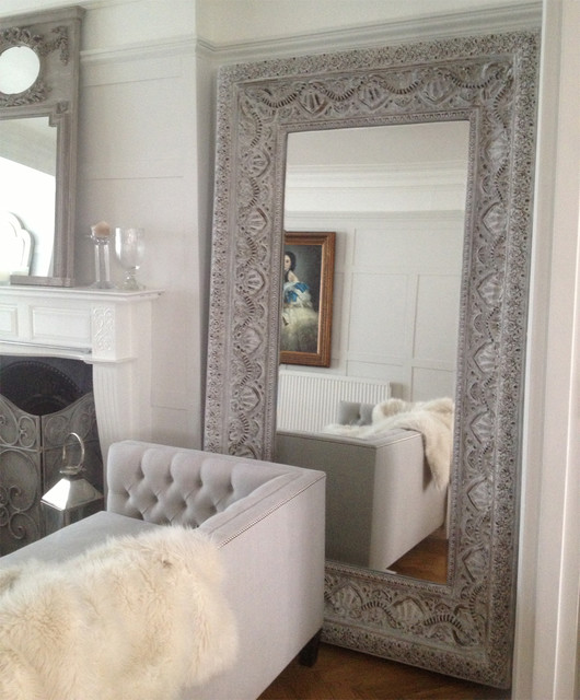 Large white embossed mirror clectique miroir poser for Miroir a poser par terre