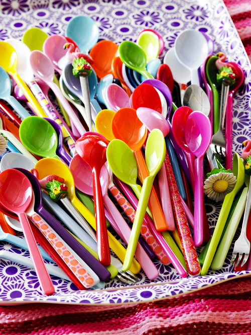 contemporary flatware How to Decorate Your Home for Summer   Without Breaking the Bank