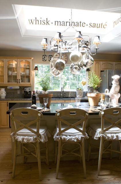 Melaine Thompson traditional-kitchen