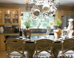 Melaine Thompson traditional kitchen