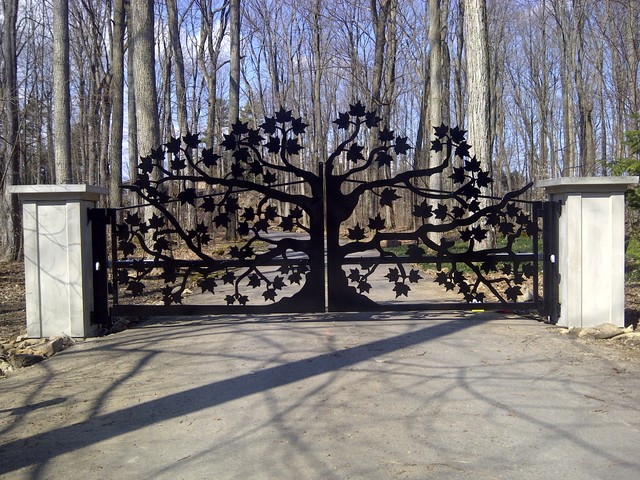 Driveway Gates - Traditional - Home Fencing And Gates - toronto - by P.B. Welding Service