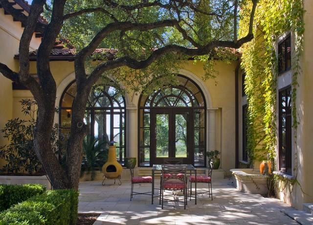 Barton creek italian villa patio mediterranean austin for Italian villa interior design