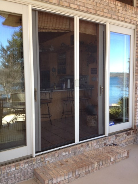 Retractable screens for doors traditional screen doors for Retractable patio doors
