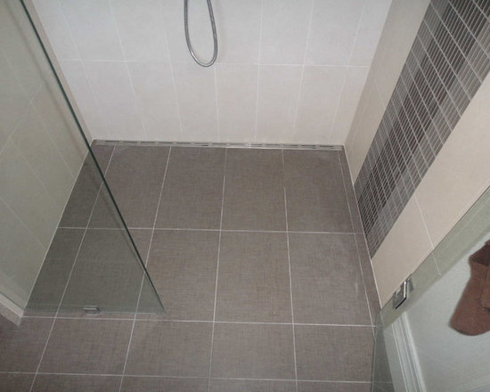 Modern Tiles Shower with Quick Drain -