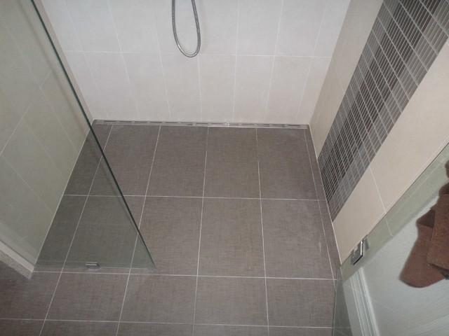 Modern Tiles Shower With Quick Drain Modern Bathroom