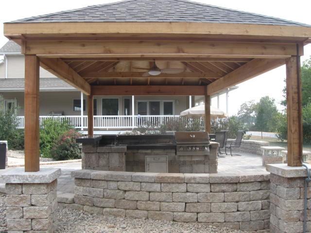 OUTDOOR ESCAPES traditional-patio