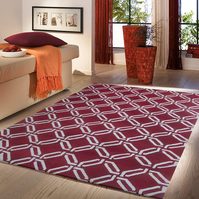 5 39 ft x 7 39 ft burgundy with white contemporary living for Living room rugs 6x9
