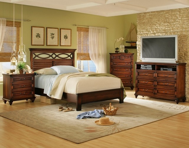 SOLID WOOD BEDROOMS - Traditional - Bedroom Products ...