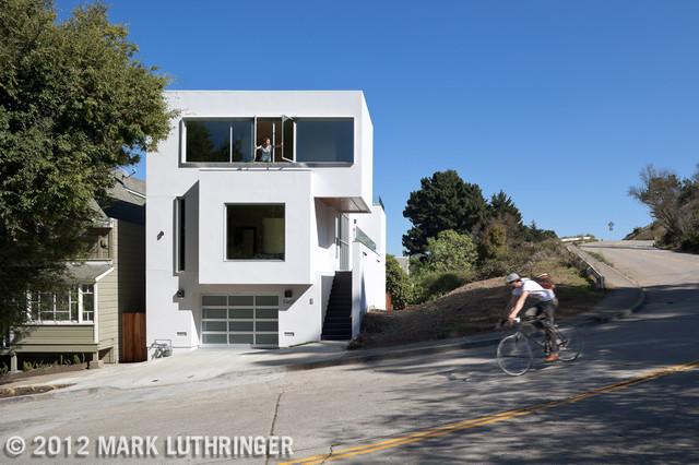 White Modern House modern-exterior