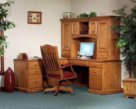 Highland L-Desk with 824 Hutch -