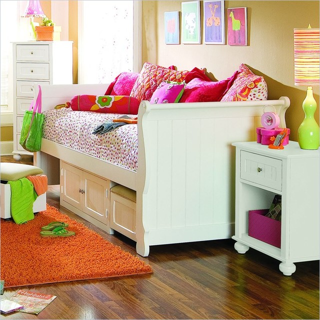 Lea My Style Wood Daybed with Storage Unit traditional-daybeds