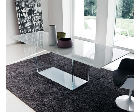 Sovet Italia - Sovet Italia | Valencia Extralight Glass Extension Table, 79-110 Inch - Design by Lievore Altherr Molina, 2006.